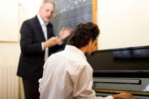 apprendre-le-piano-avec-un-professeur-particulier