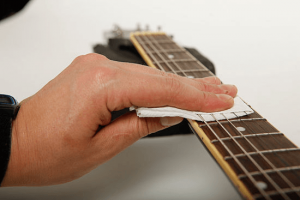 entretenir-et-optimiser-sa-guitare