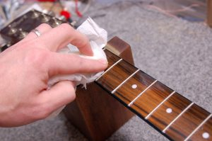nettoyage de guitare