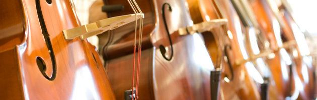 Comment jouer aux instruments à cordes ?